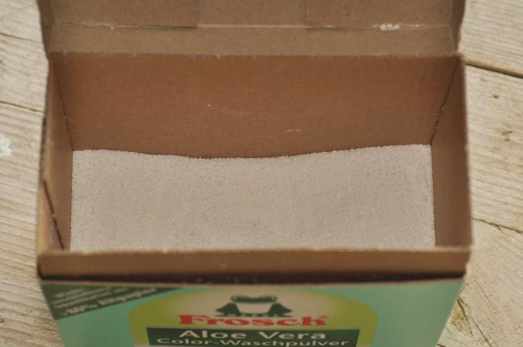 Fast plastikfreies Waschpulver von Frosch