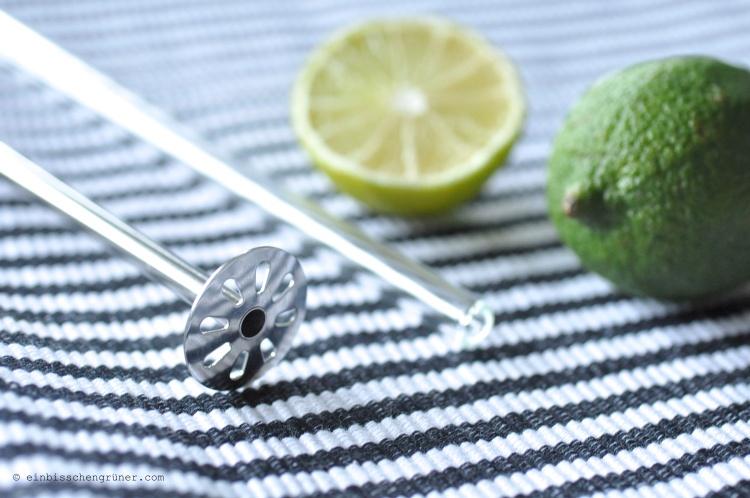 Wiederbenutzbare Strohhalme aus Edelstahl und Glas