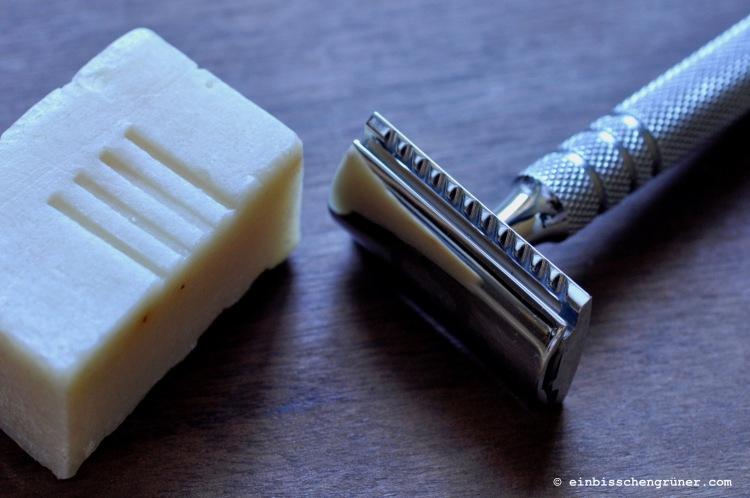 Plastikfreie Haarentfernung und plastikfreier Rasierschaum