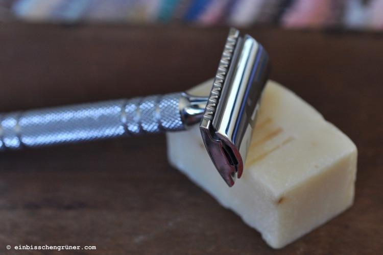 Zero Waste Rasur mit Rasierhobel und Seife